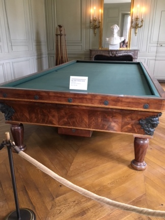 trianon pool room